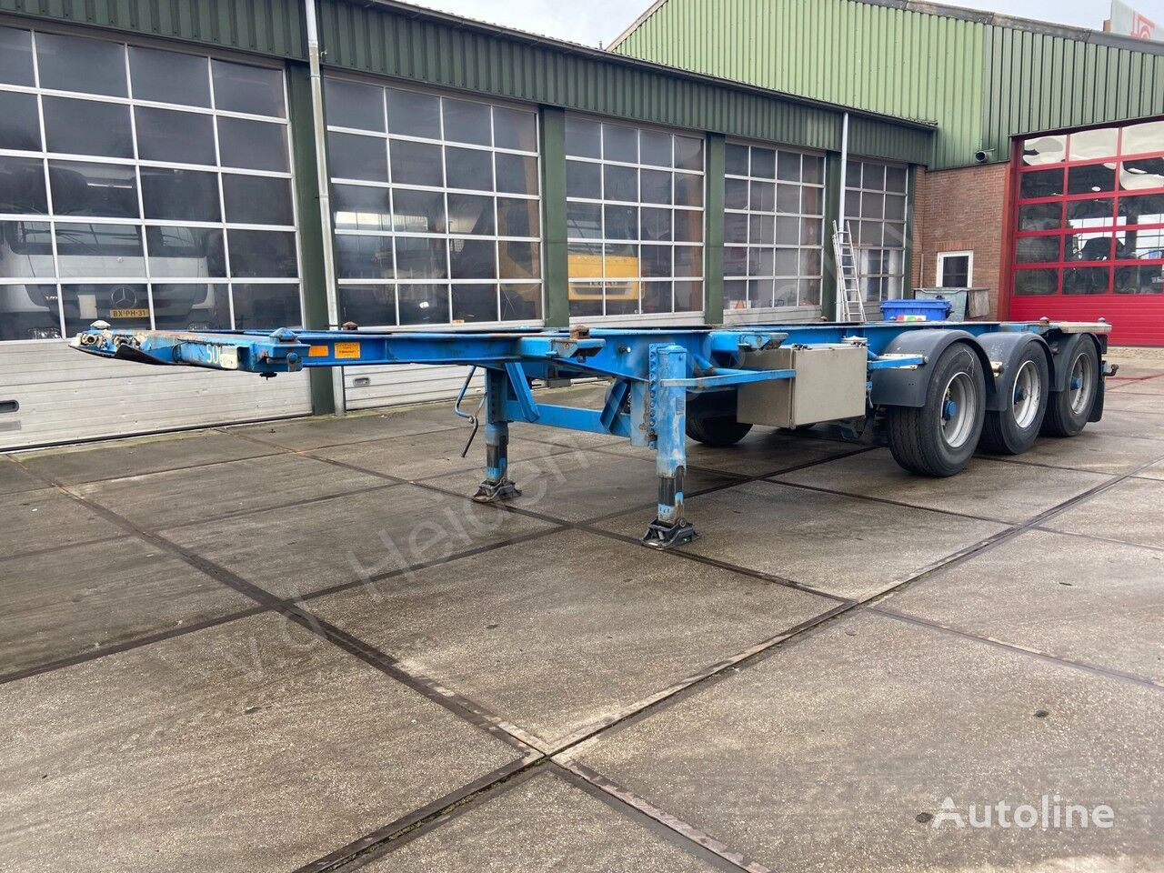 VAN HOOL 1X20 FT   1X30 FT   3 Assig container chassis semi-trailer