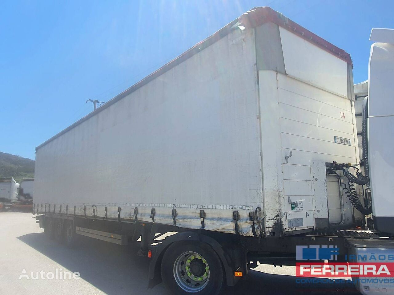 SCHMITZ CARGOBULL SCB-S3T curtain side semi-trailer