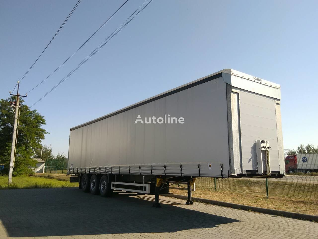 new VARZ NPM 2513 curtain side semi-trailer