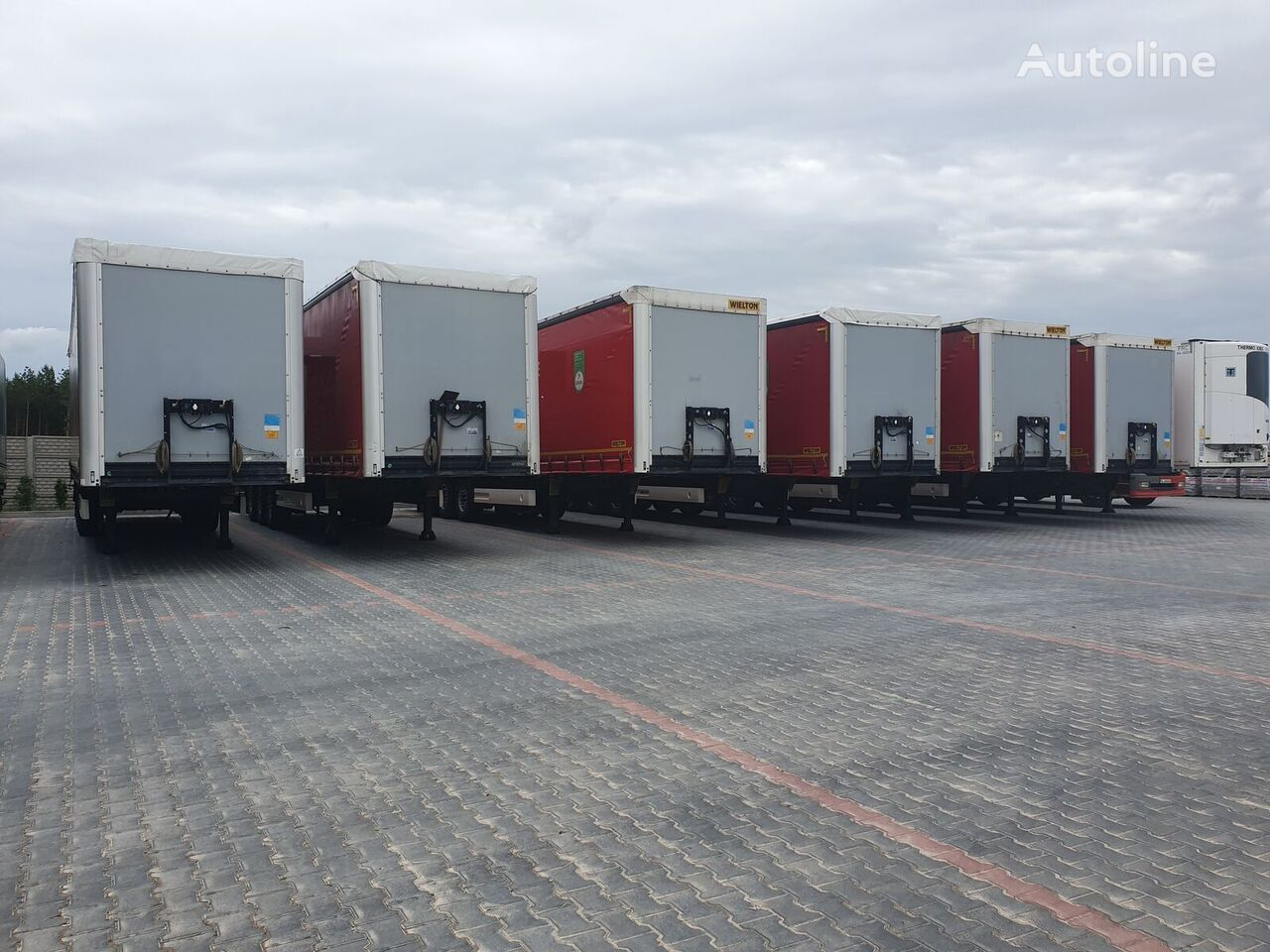 WIELTON COILMULDA 9 M STANDARD LEKKA MULDA DO STALI  curtain side semi-trailer