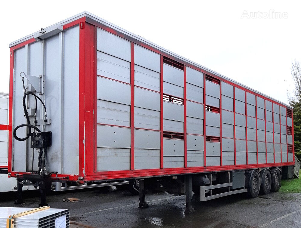 LECI TRAILER GUITTON  for pigs transports 3 levels - Requires repair livestock semi-trailer