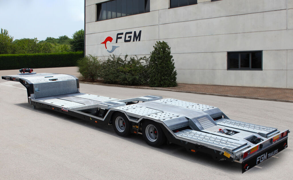 new FGM 26 low bed semi-trailer