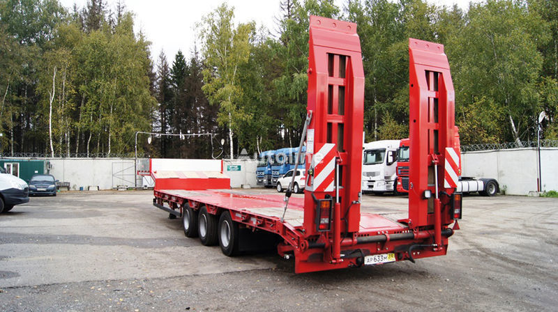 new GRUNWALD Triaxial low bed semitrailer low bed semi-trailer