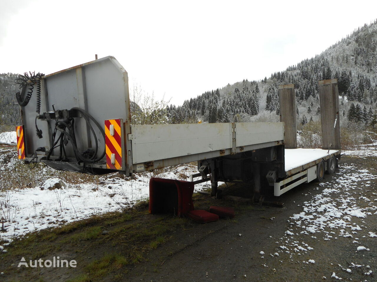 HFR low bed semi-trailer