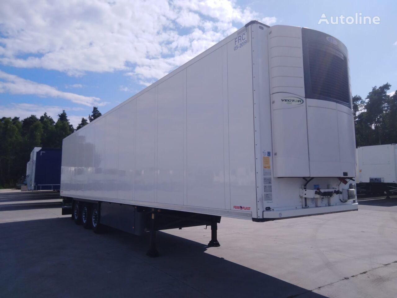 SCHMITZ CARGOBULL Doppelstock - podwójny załadunek z Carrier Vector 1550 refrigerated semi-trailer