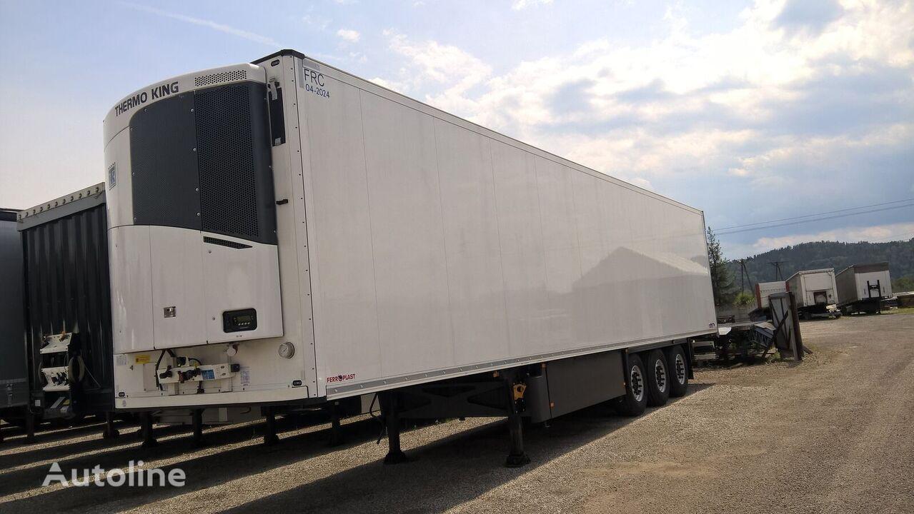SCHMITZ CARGOBULL SKO refrigerated semi-trailer