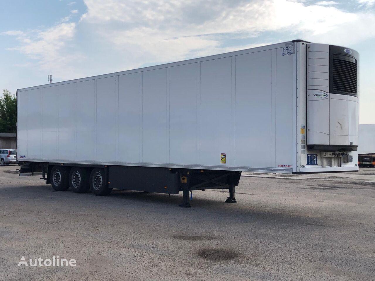 SCHMITZ CARGOBULL SKO 24 Multisystem refrigerated semi-trailer