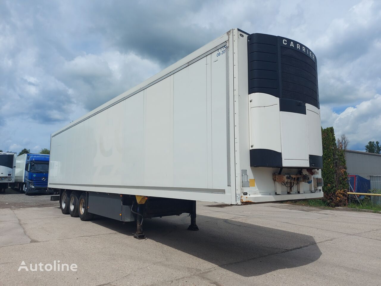 Schmitz Standard refrigerated semi-trailer