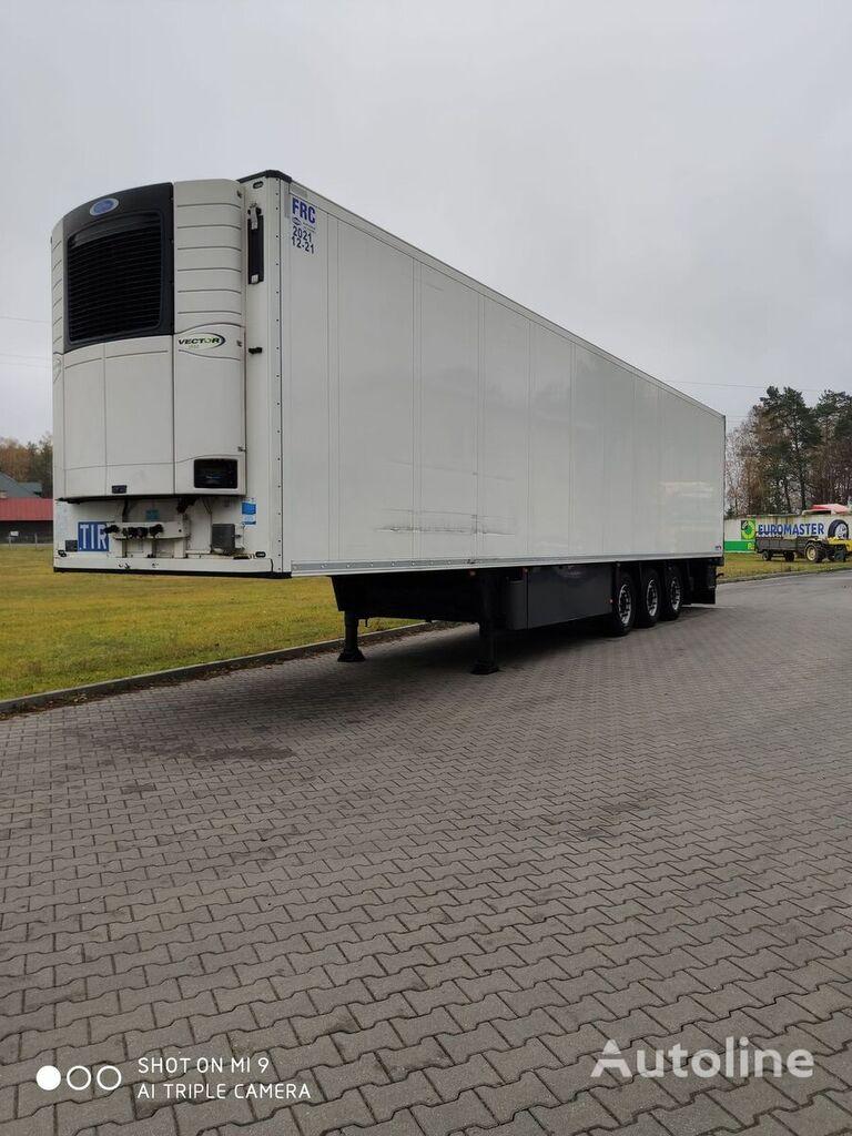 SCHMITZ CARGOBULL SKO 24 refrigerated semi-trailer