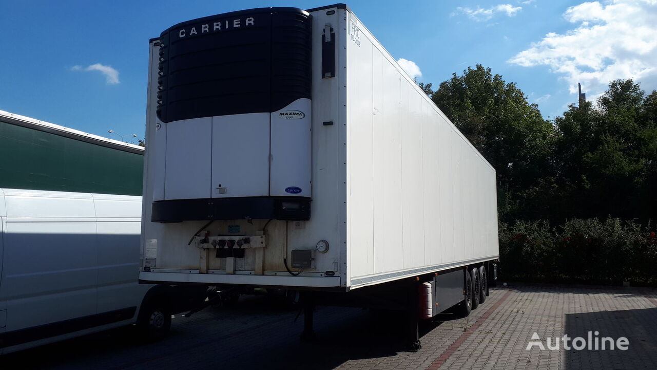 SCHMITZ CARGOBULL SKO 24 L refrigerated semi-trailer