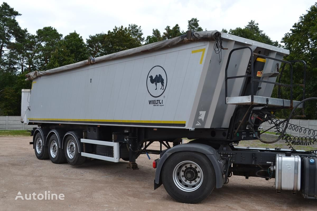 WIELTON 39m3 2011 SAF INTRAX tipper semi-trailer