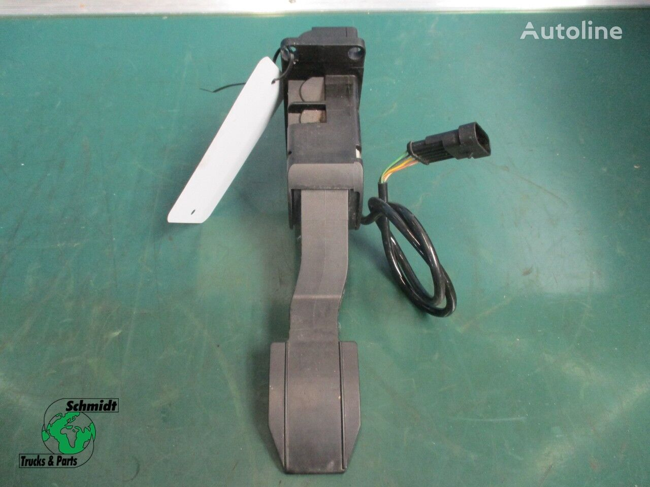 accelerator pedal for IVECO tractor unit