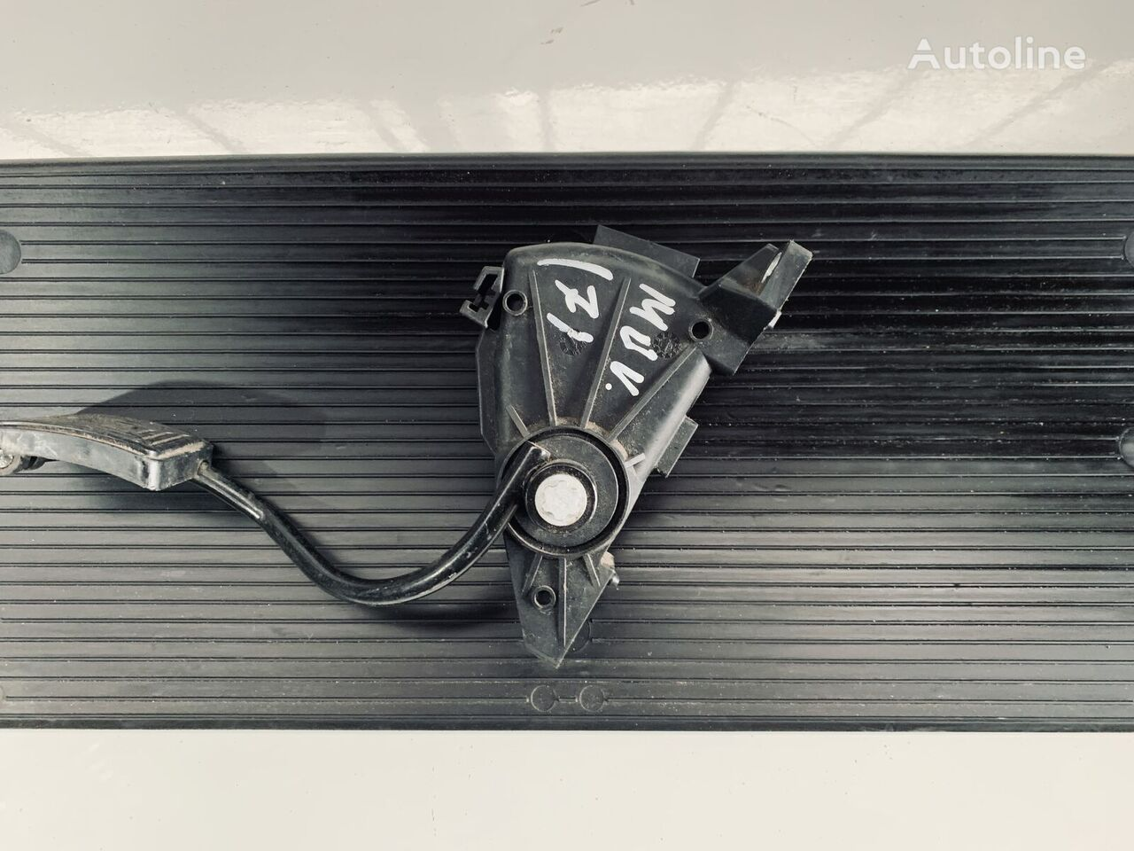 MAN 403 accelerator pedal for tractor unit