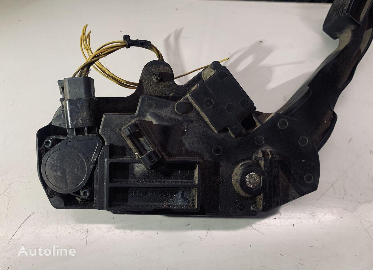 RENAULT (7421059642) accelerator pedal for RENAULT PREMIUM tractor unit