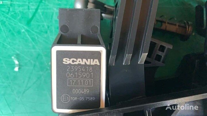 new SCANIA (2395418 0615901) accelerator pedal for SCANIA SC.P,G,R,T 04 truck