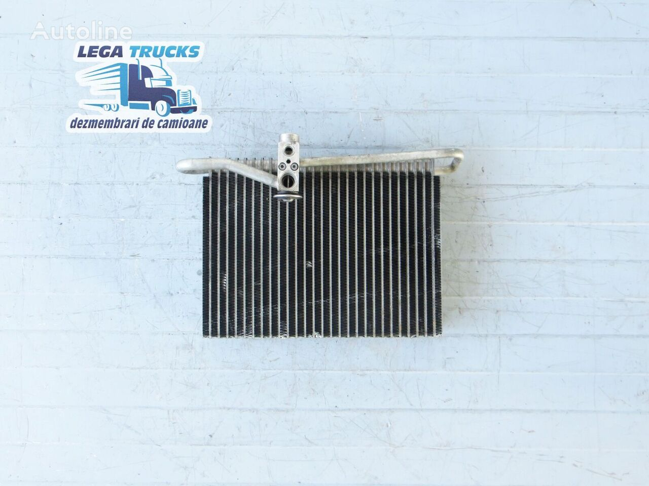 VOLVO Radiator Clima automobile air conditioning for tractor unit