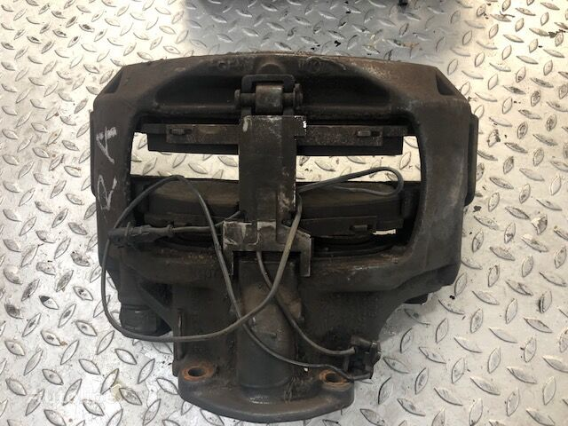 DAF (1862301) brake caliper for truck