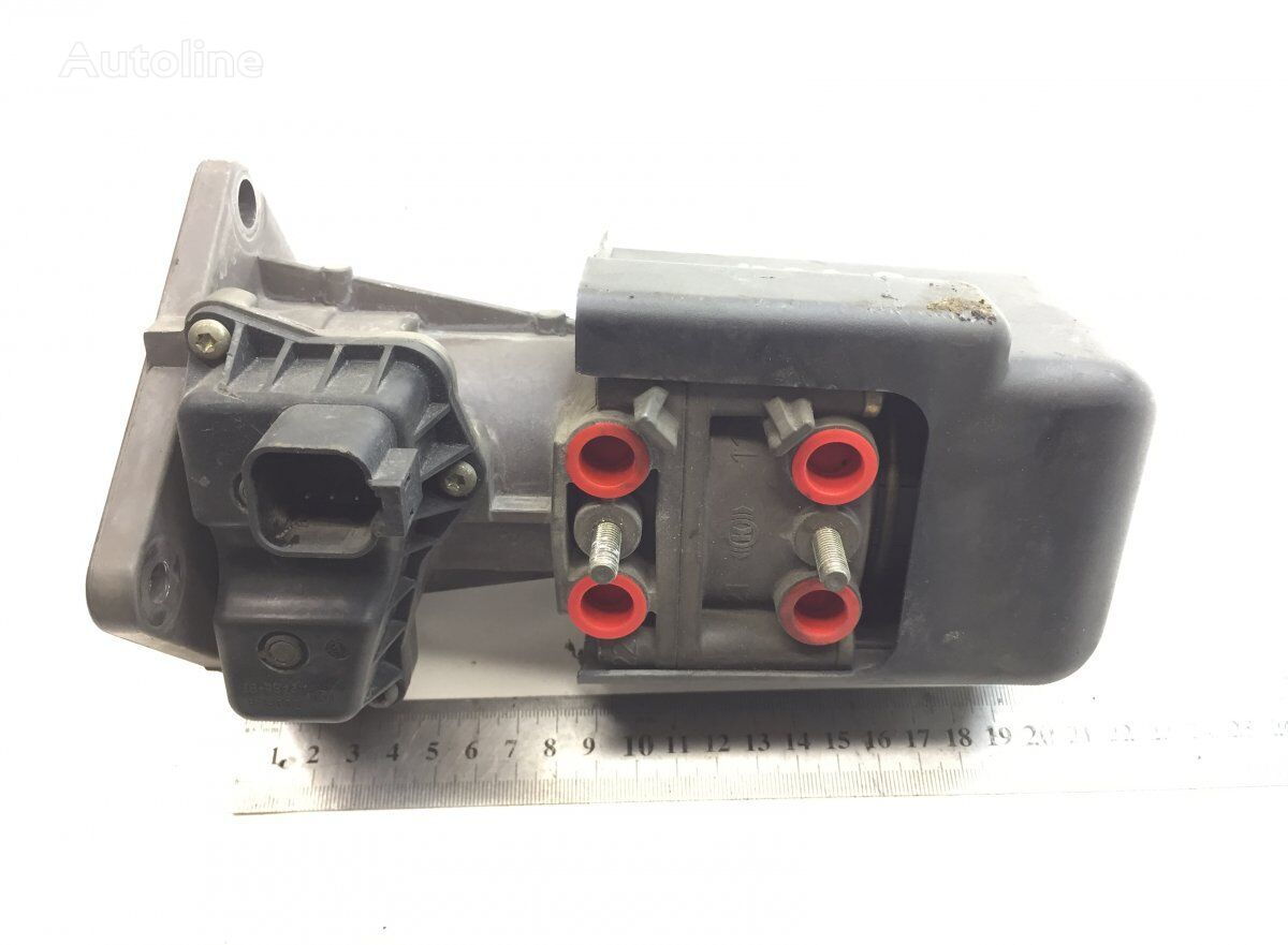 SCANIA (K044696 K000087) brake master cylinder for SCANIA P G R T-series (2004-) tractor unit