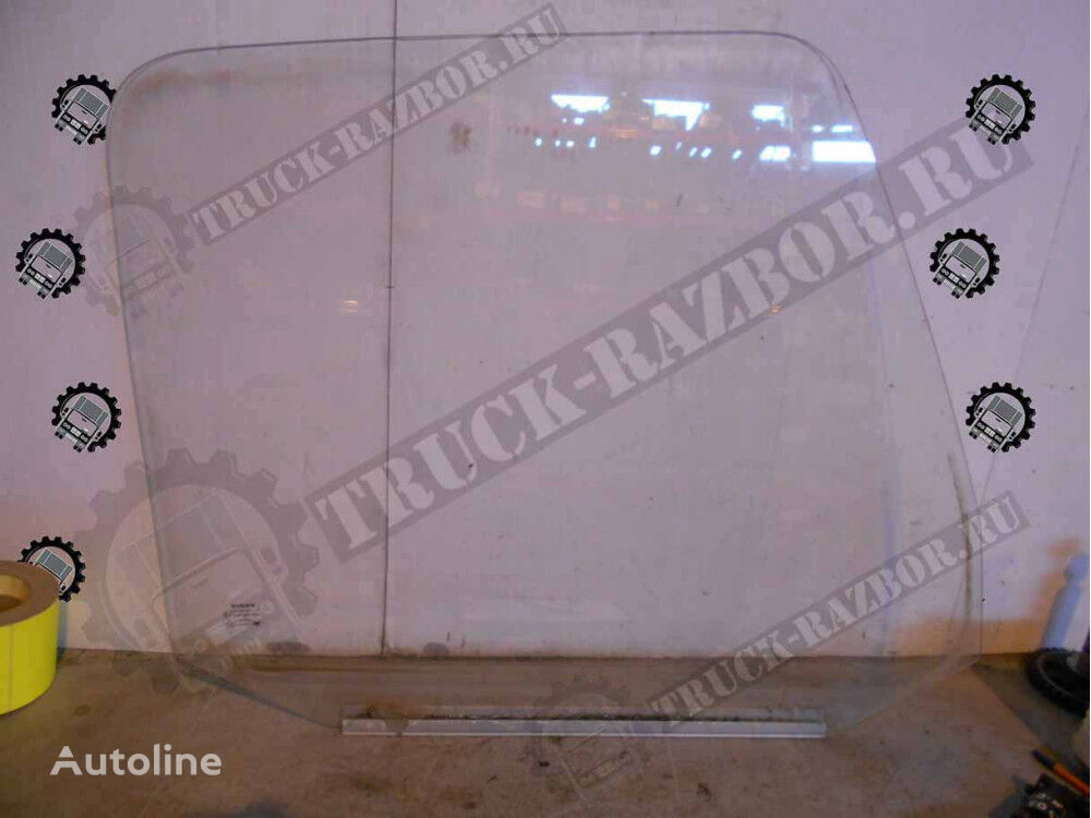 VOLVO R (2076897) cab glass for tractor unit