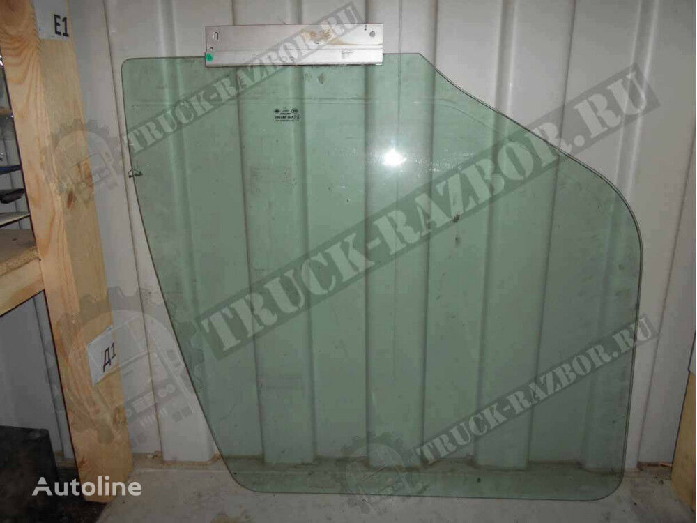 RENAULT R (7420827129) cab glass for tractor unit