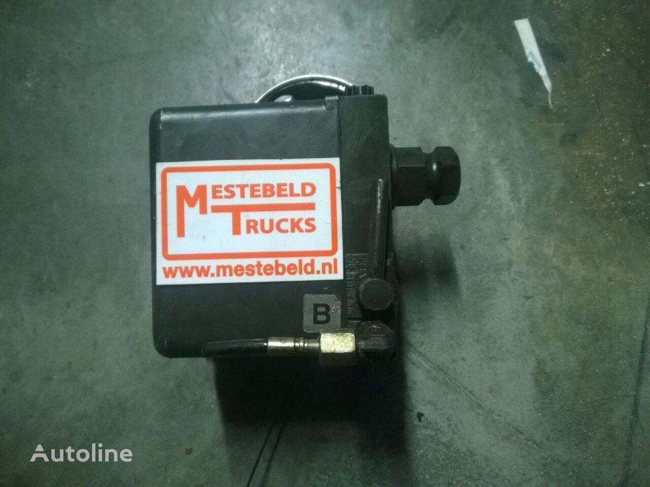 MERCEDES-BENZ cab lift pump for MERCEDES-BENZ Cabinekantelpomp Actros tractor unit