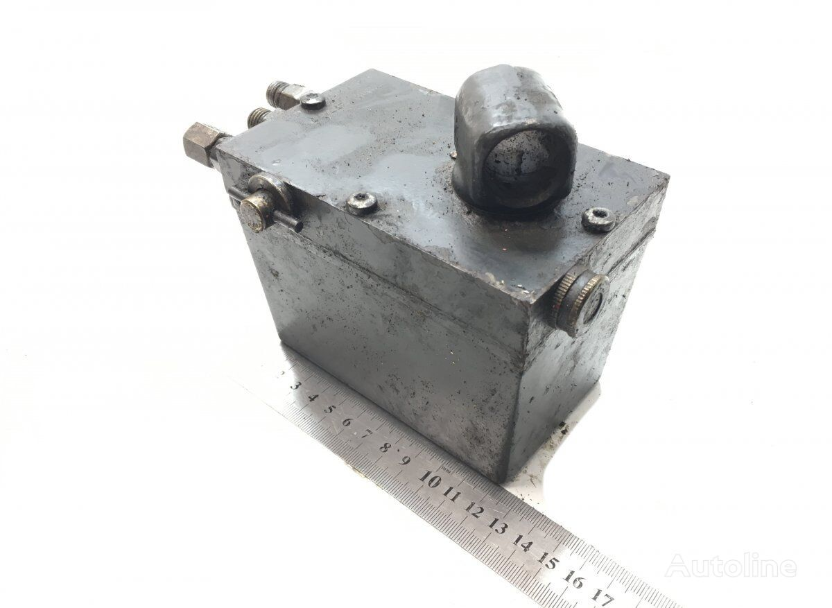 cab lift pump for SCANIA P G R T-series (2004-) tractor unit