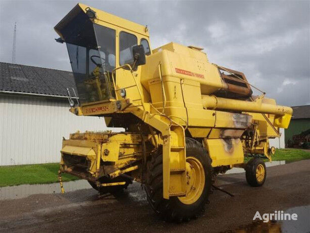 cabin for NEW HOLLAND 1550 combine-harvester