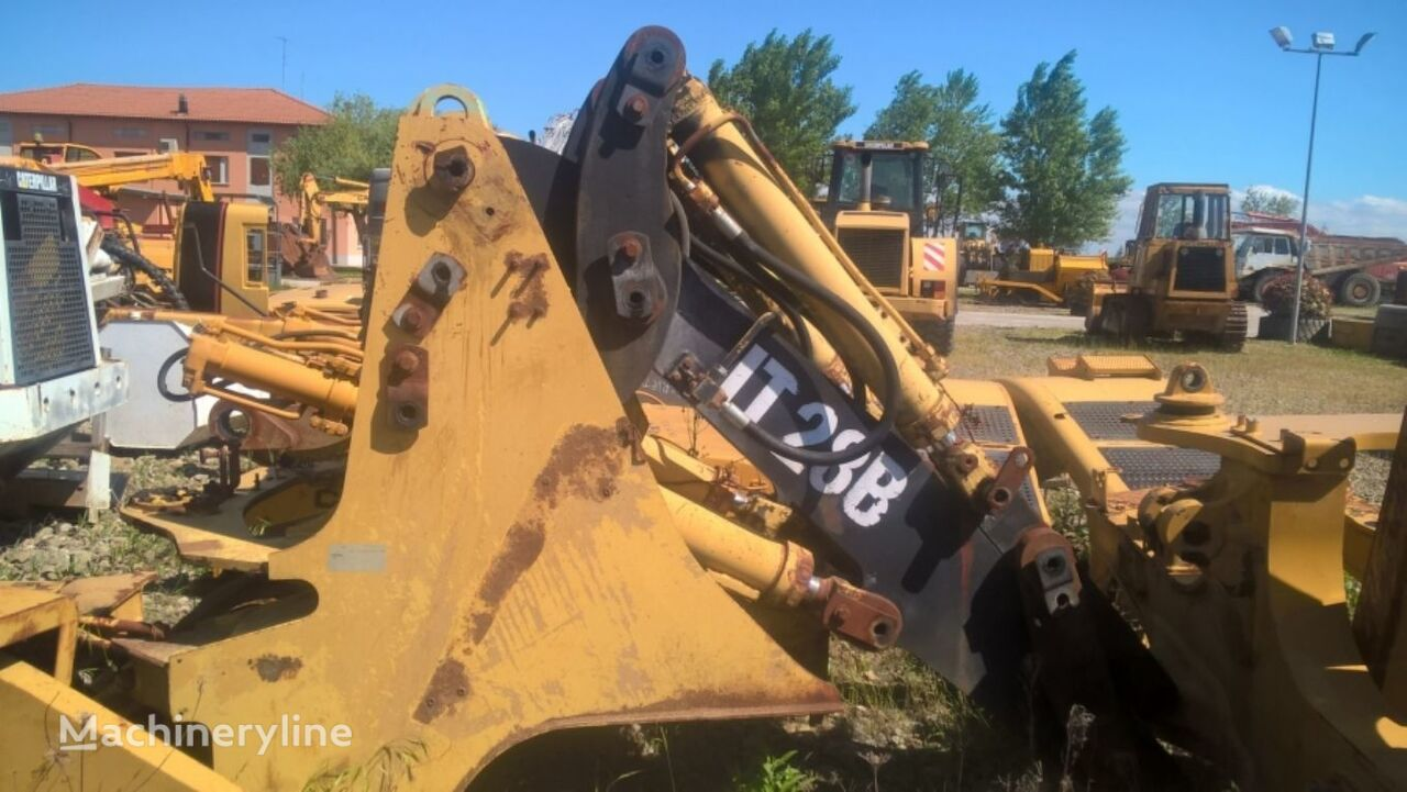 FRONT FRAME WITH BOOM AND CYLINDER chassis for CATERPILLAR IT28B 5SD1310 wheel loader