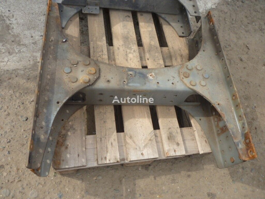 Poperechina ramy Volvo chassis for truck