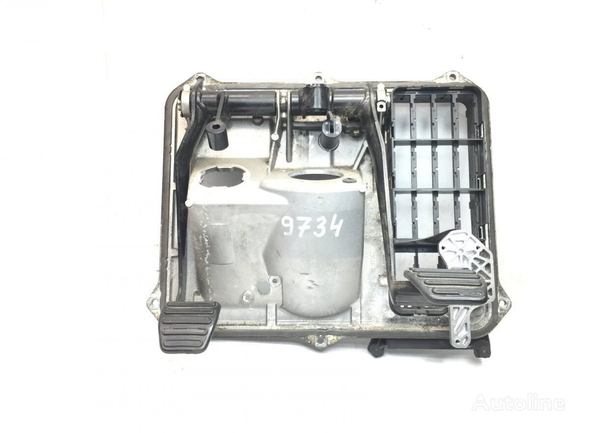 Clutch-Brake Pedal with Panel clutch pedal for MAN TGX (2007-) tractor unit