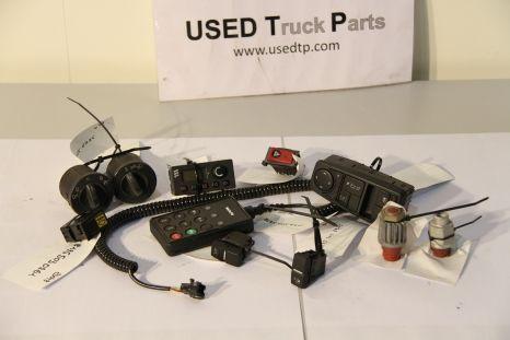 Diverse schakelaars en bedieningen control unit for MAN tractor unit