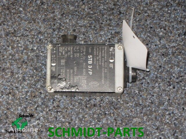 81.25970.0292 STB 3/P control unit for MAN tractor unit