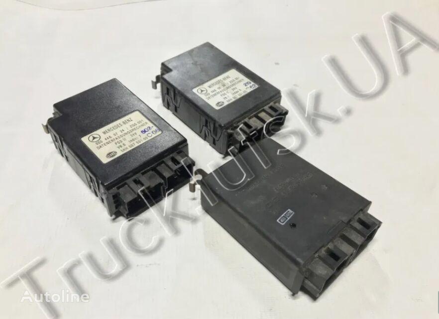 MERCEDES-BENZ 0004460724 0004460524 0004460018 control unit for MERCEDES-BENZ tractor unit
