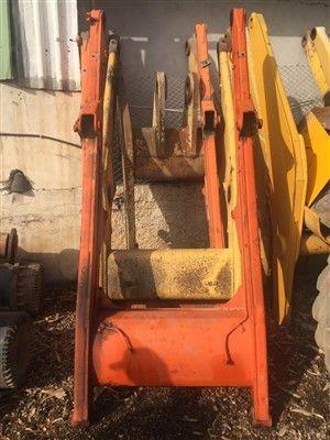 USED FIAT HITACHI FB90 FB100 FB110 BACKHOE LOADER BOOM MAIN BOOM crane arm for FIAT-HITACHI FB90 / FB100 / FB110 backhoe loader