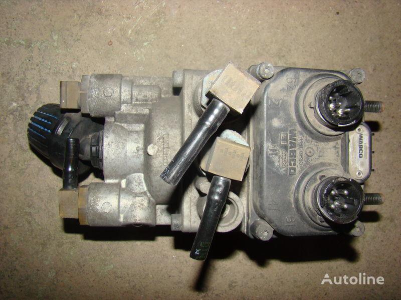 DAF 105XF foot brake valve 1455027 crane for DAF 105XF tractor unit