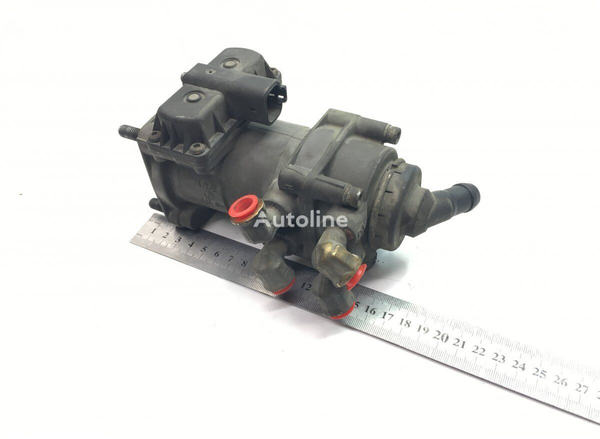 KNORR-BREMSE FH12 2-seeria (01.02-) crane for VOLVO FH12 2-serie (2002-2008) tractor unit