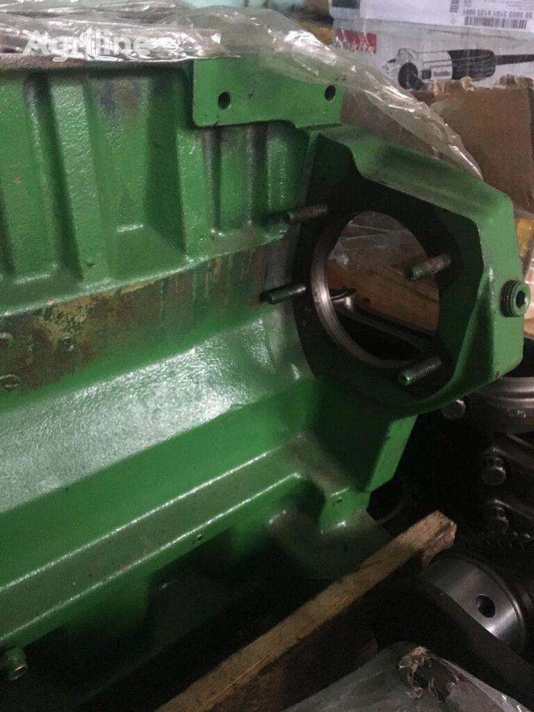 cylinder block for JOHN DEERE 2256, 2258, 2264, 2266, 2266 combine-harvester