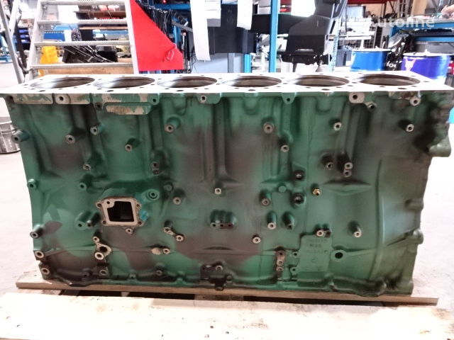 VOLVO V22056231UP cylinder block for truck