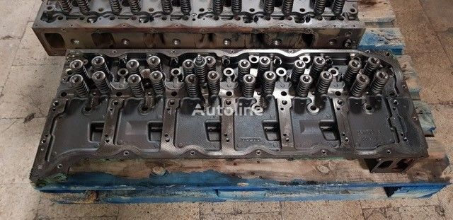 VOLVO Cylinder Head D9 - D11 cylinder head for truck