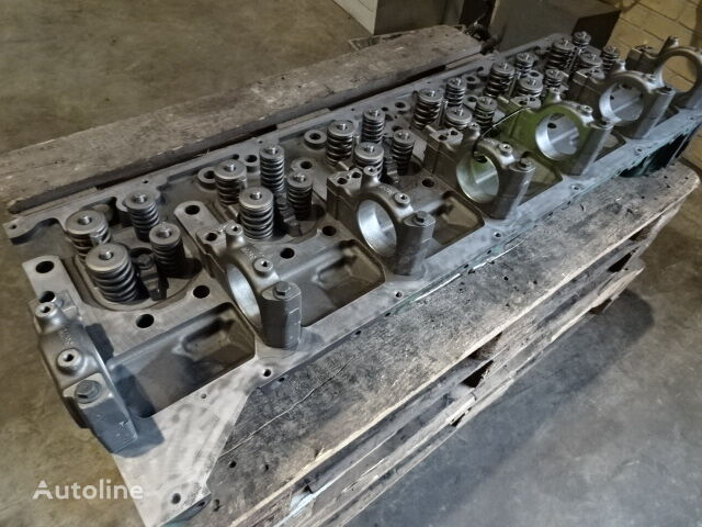 VOLVO V85000888UP cylinder head for truck