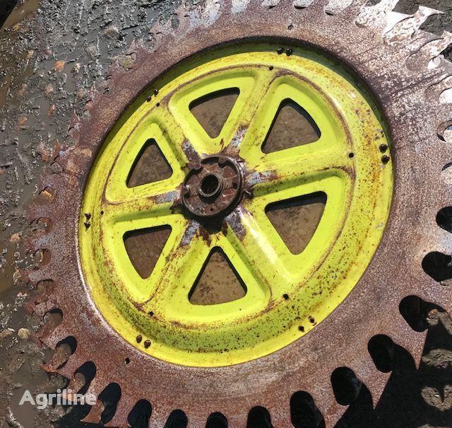 Tarcza Wciągająca disk for CLAAS RU 450 grain header
