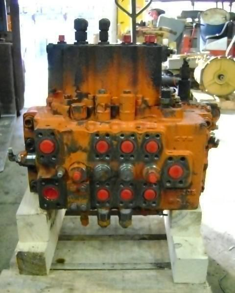 distributor for FIAT-HITACHI FH 200.3 excavator