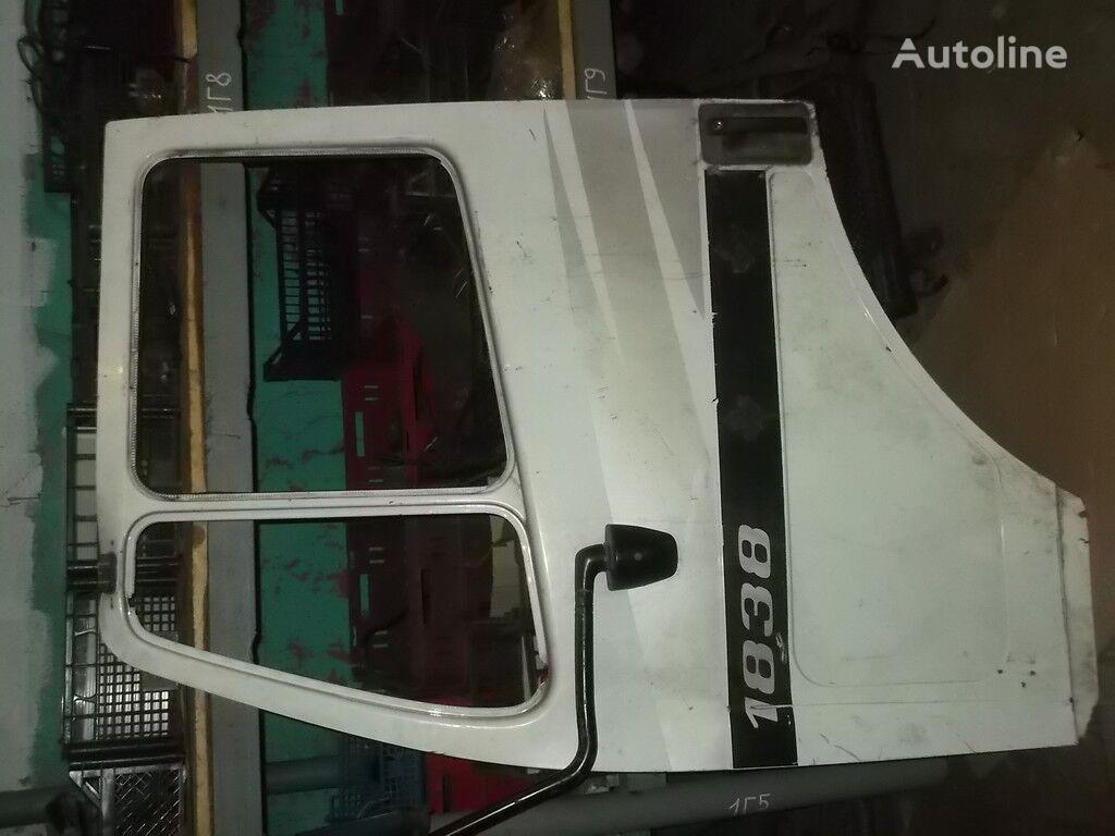 perednyaya LH Mercedes Benz door for truck