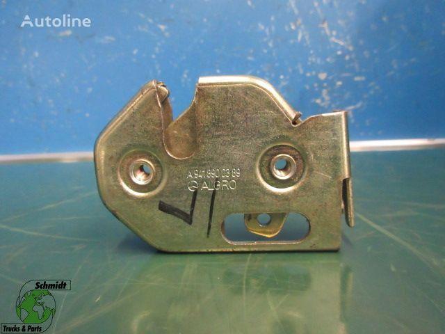 MERCEDES-BENZ A 941 890 03 89 Slot (Links) door lock for MERCEDES-BENZ tractor unit