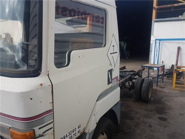 Delantera Izquierda door for NISSAN L 35 08 CESTA ELEVABLE truck