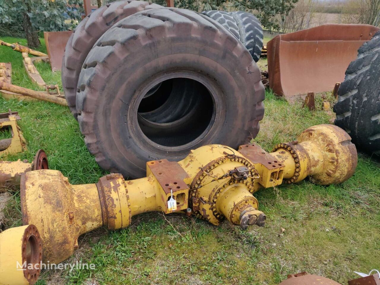 FRONT FIXED AXLE COMPLETE WITH DIFFERENTIAL AND BEVEL GEAR, FINA drive axle for CATERPILLAR  988G  material handling equipment