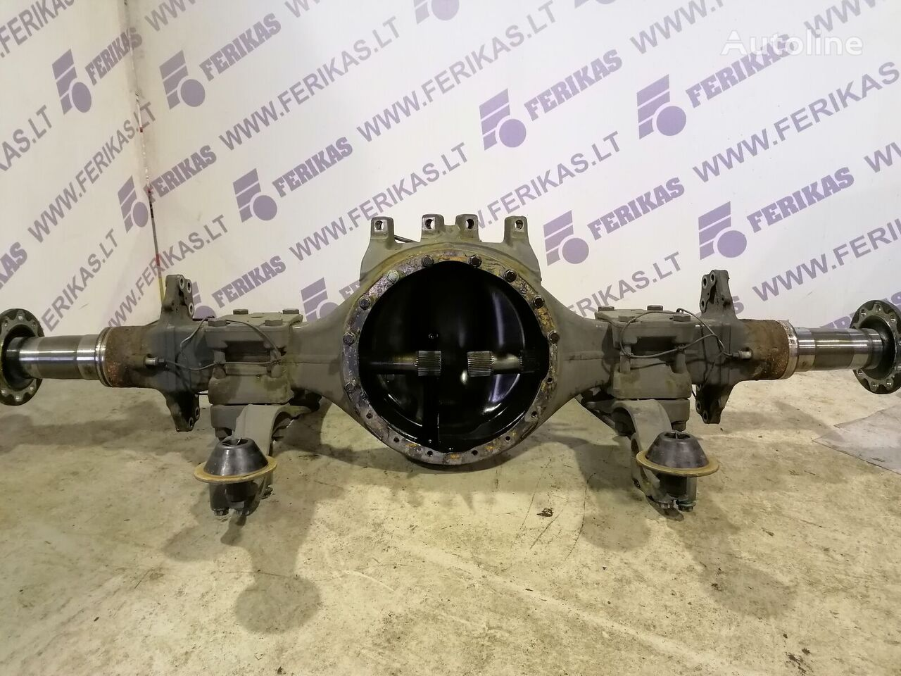 MERCEDES-BENZ drive axle for tractor unit