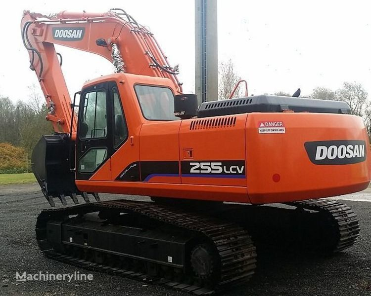 DOOSAN 65.06500-6144 engine cooling pump for DOOSAN 255 LCV excavator