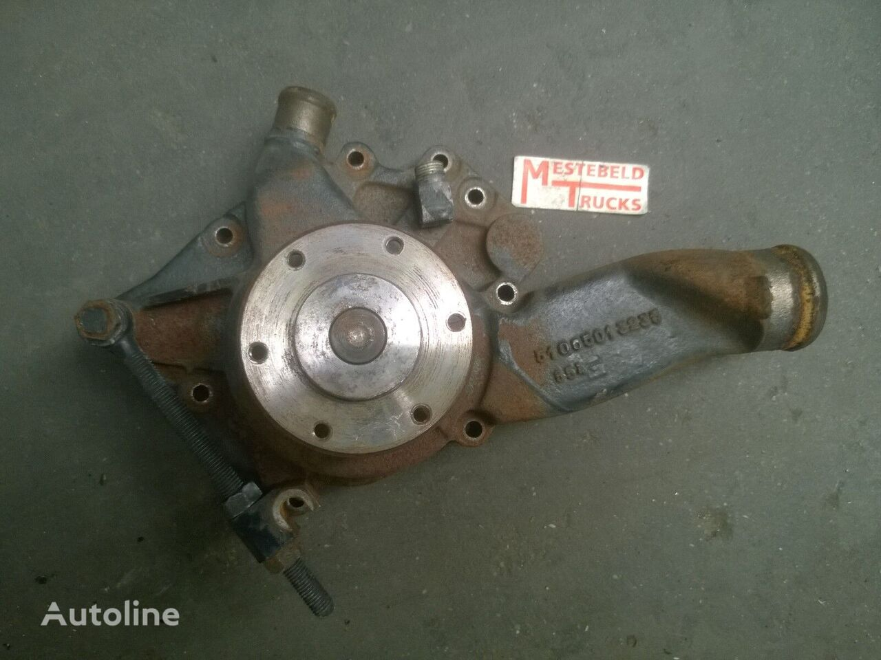 MAN engine cooling pump for MAN Waterpomp L2000 tractor unit