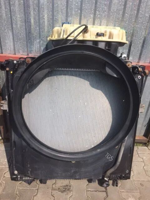engine cooling radiator for MAN TGS tractor unit
